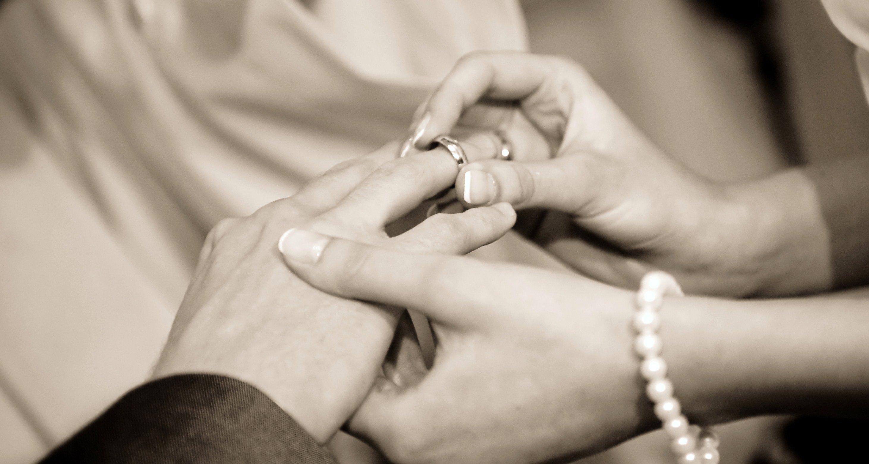 Приворот с кольцом для возврата мужа
