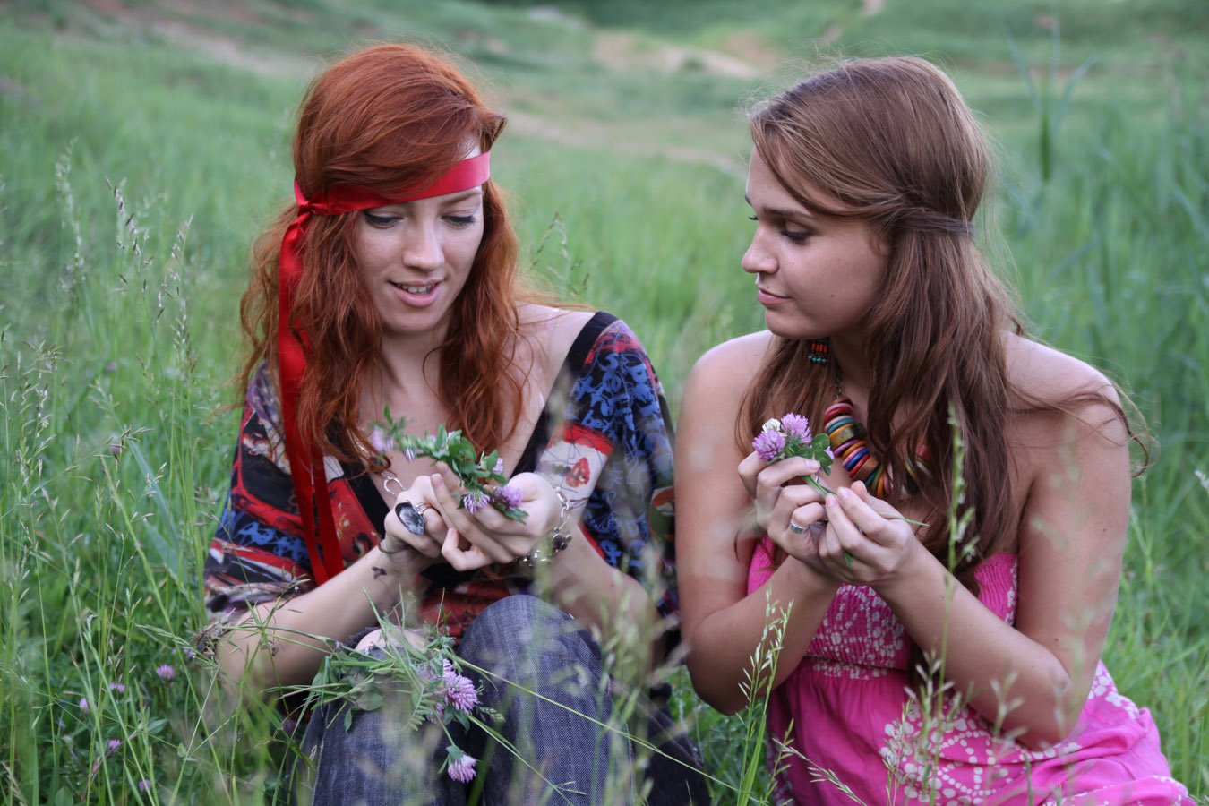 Снятие венца безбрачия с помощью ритуала с венком