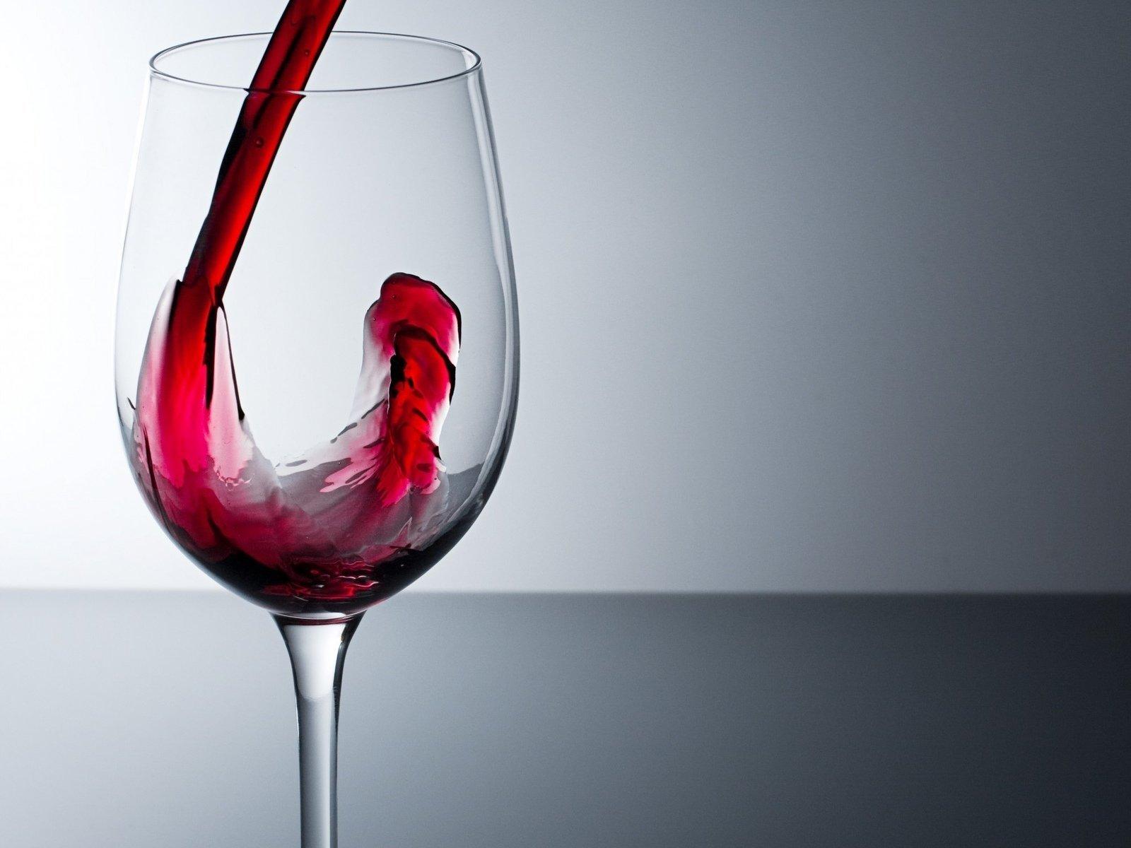 Приворот на вино с кровью