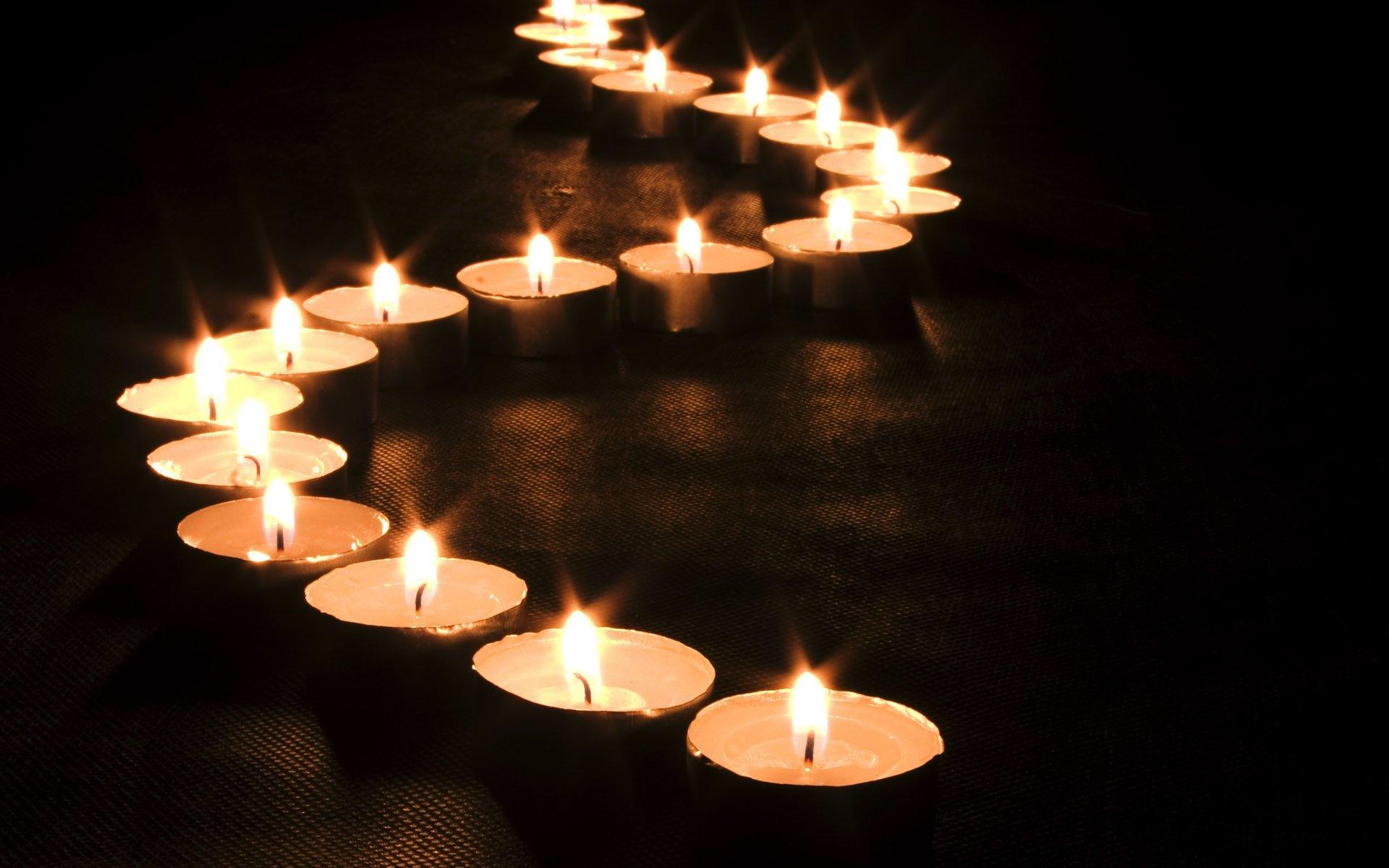 Обряд со свечами на привлечение денег