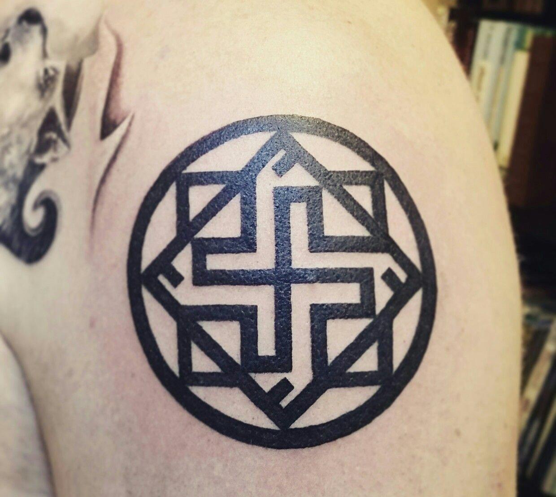 Татуировка с талисманом Валькирией