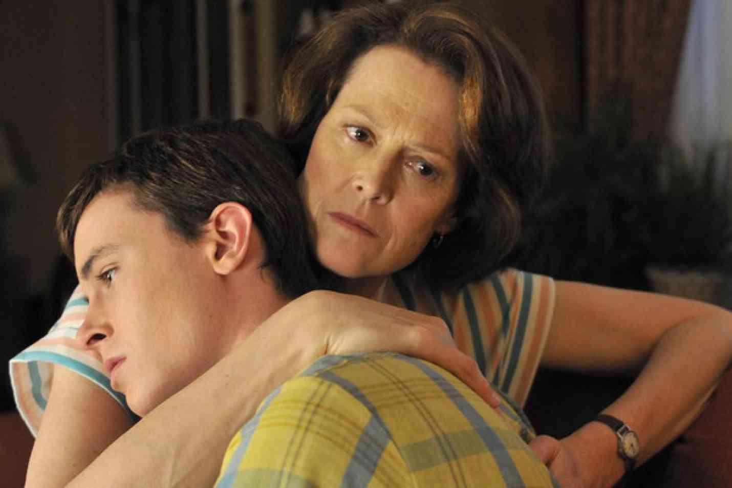 Как мать может снять приворот с сына
