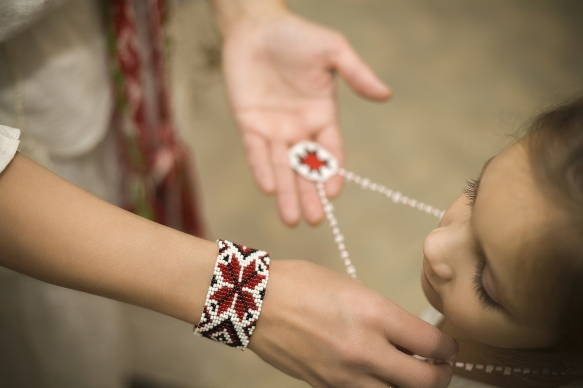 Что такое обереги для детей от сглаза и порчи
