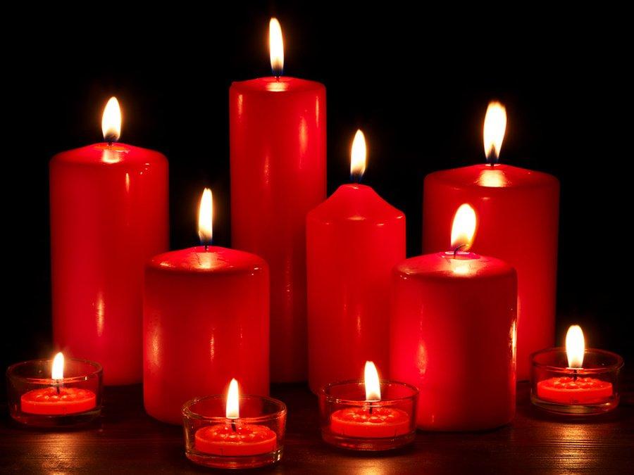 Приворот с красной свечой