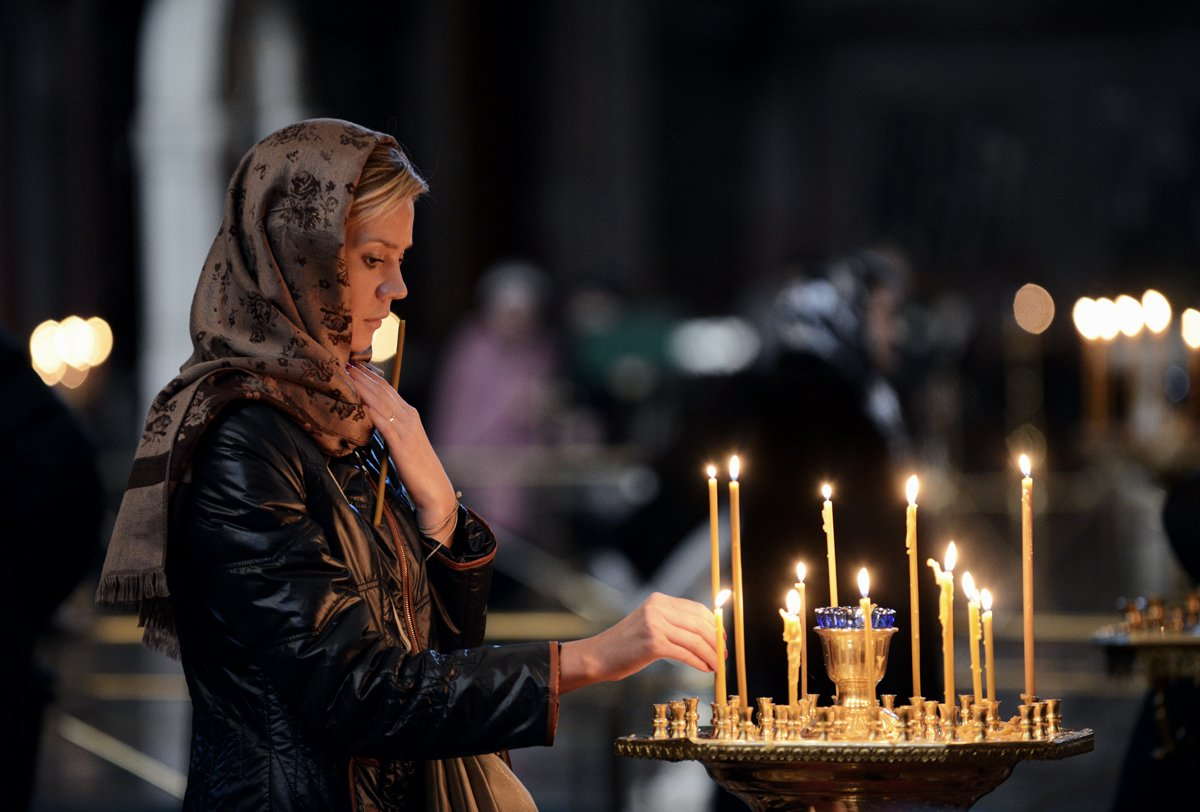 Ритуал со свечами на икону