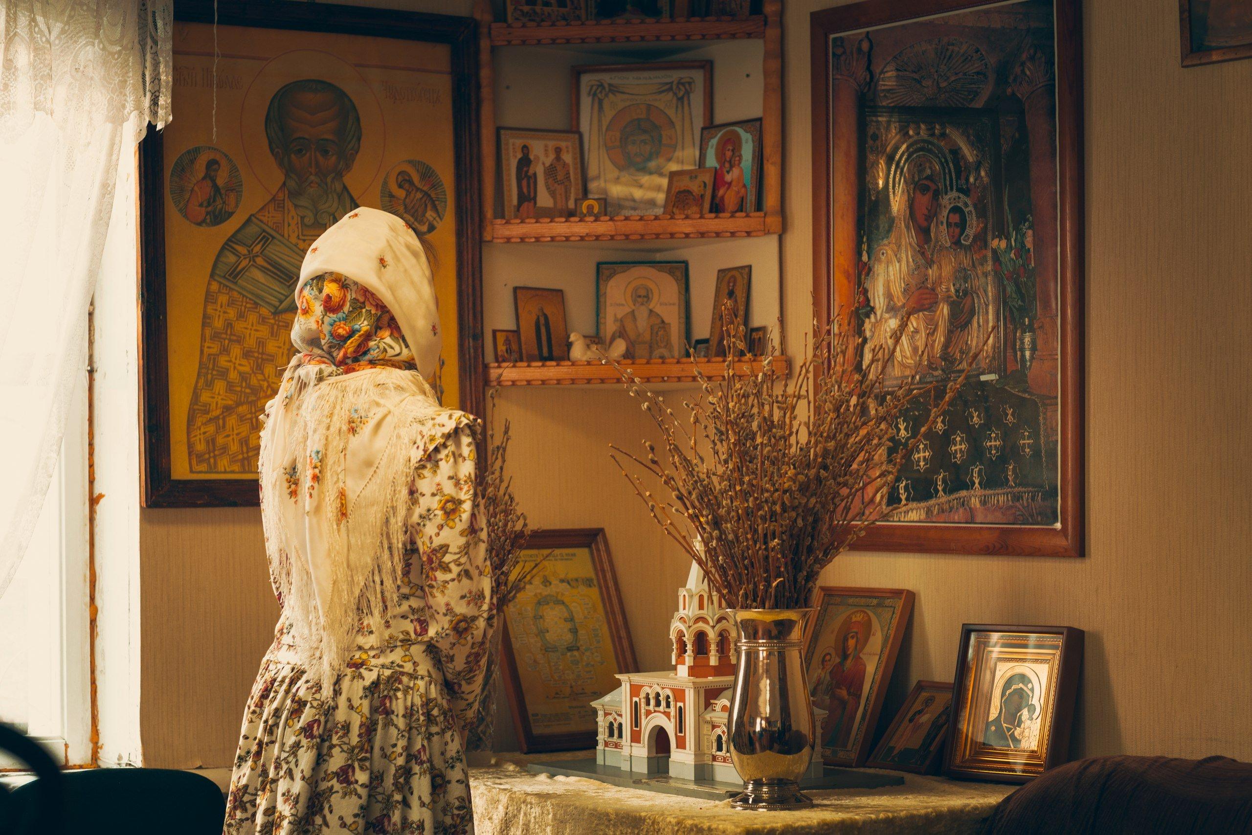 Приворот в церкви на икону