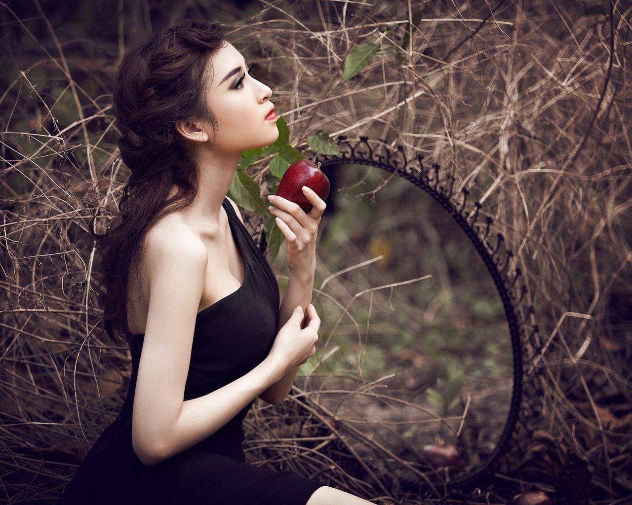 Сильный приворот на яблочный спас