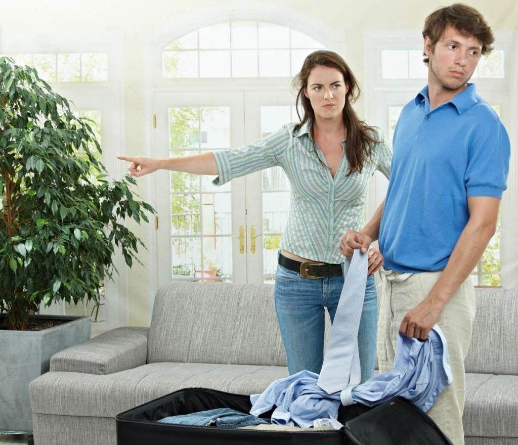 Отворот с солью,чтобы жена мужа из дома выгнала